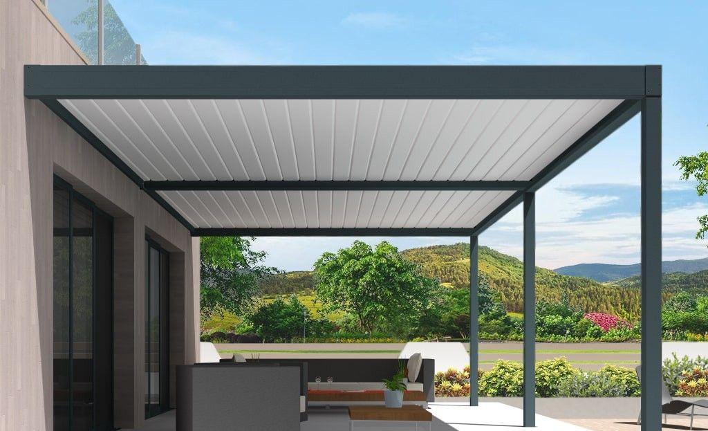 Pergola bioclimatique h2 hélios pose mur/sol grise avec lames orientables blanches double travées vue de côté